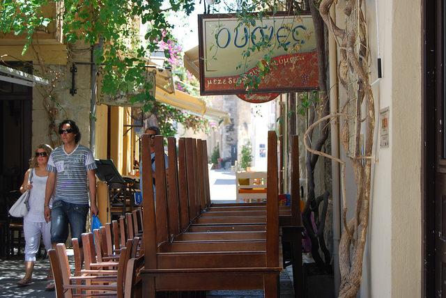 La Germania invade la Grecia. Di turisti.